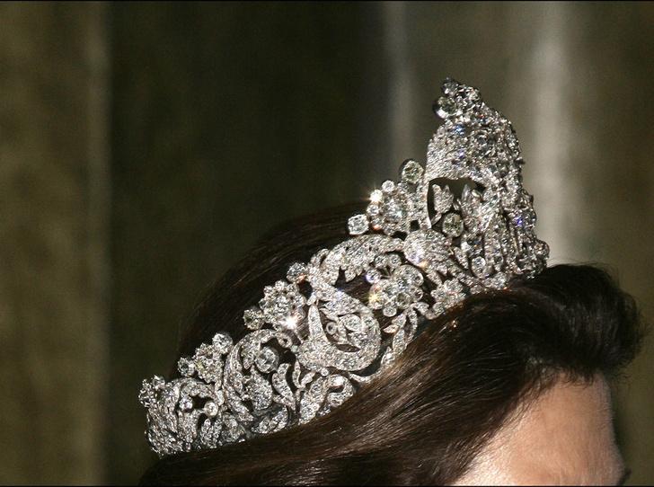 Фото №3 - От бижутерии до бриллиантов: тиары шведской королевской семьи