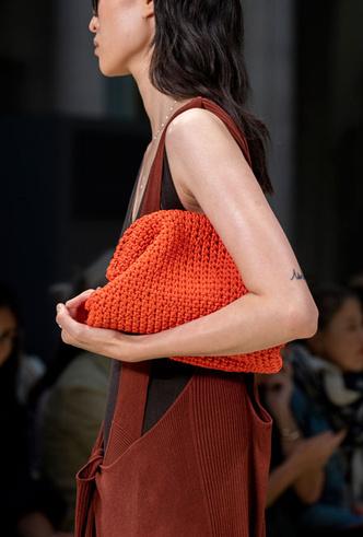 Фото №3 - Самые модные сумки весны и лета 2020