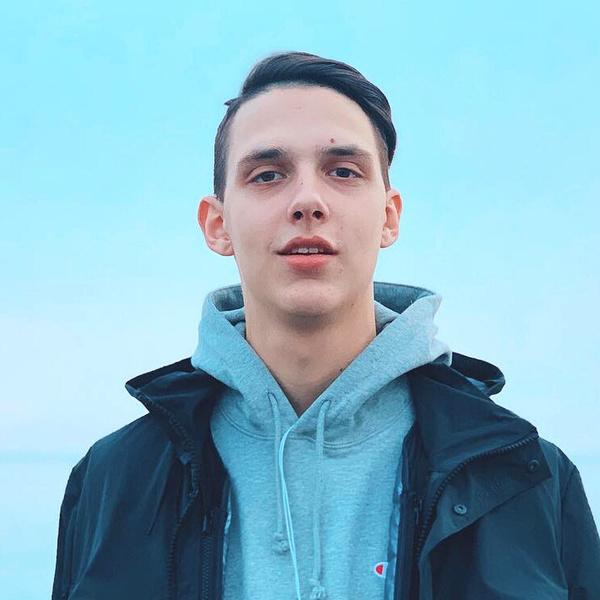 Фото №1 - Тима Белорусских признался, как стал отцом в 16 лет