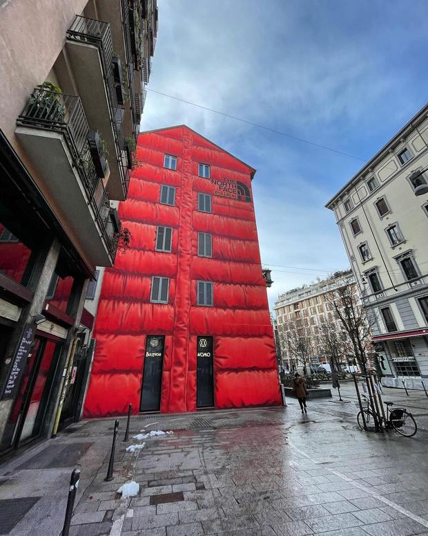 Фото №6 - The North Face x Gucci: «дом в пуховике» в Милане