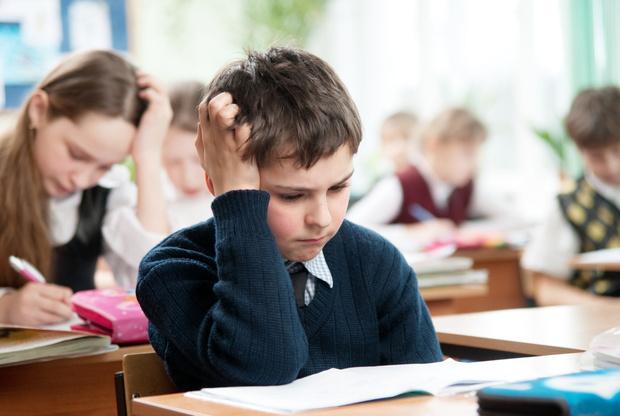 Трудности в учебе - это проблемы и с учителями, и с одноклассниками.