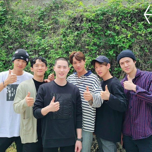 Фото №2 - So sad: Сухо из EXO ушел в армию