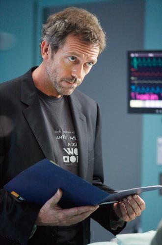 Фото №12 - «Ночной администратор»: новый Бонд, доктор Хаус и еще 5 причин посмотреть сериал