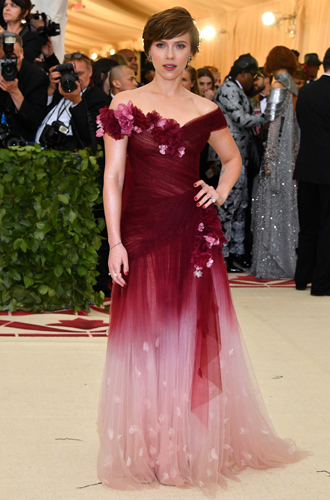 Фото №3 - Почему платье Скарлетт Йоханссон на Met Gala оказалось самым рискованным