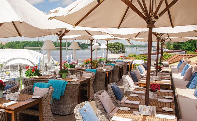 Фото №8 - 7 ресторанов Москвы с самой красивой верандой