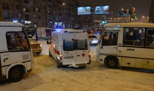 Фото №1 - ОП РФ: «Скорой» нужно разрешить таранить автомобили
