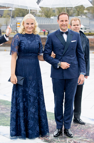 Фото №23 - Забавы королевского двора: самые интересные моменты юбилея Харальда и Сони