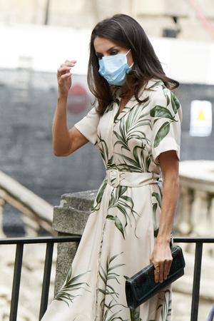 Фото №6 - Просьба о помощи или демонстрация силы: что скрывается за модным заявлением королевы Летиции