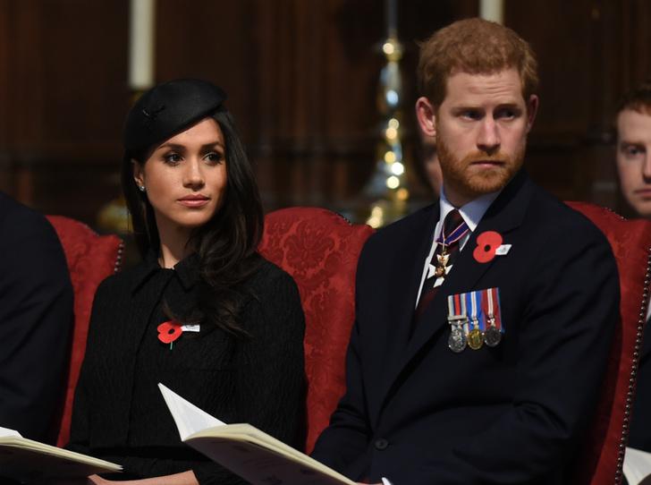 Фото №3 - Бизнес-провал Сассекских: Королева запретит Гарри и Меган зарабатывать на титулах