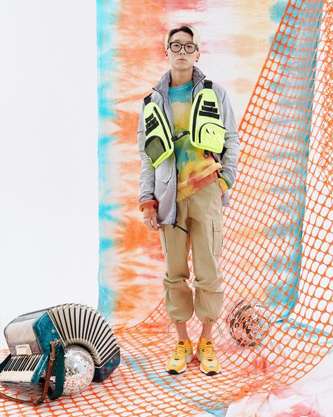 Свитер и жилет, все— Ziq & Yoni Куртка, Nike Брюки, Novaya (Faces & Laces Locals) Кроссовки, adidas, street-beat.ru