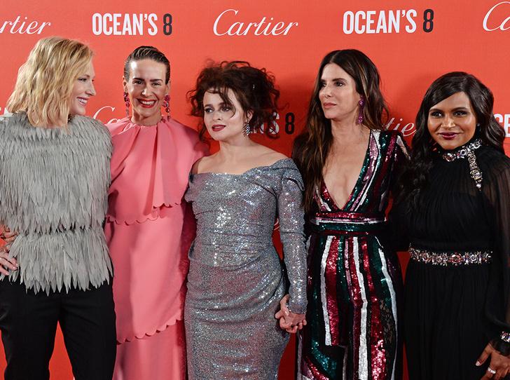 Фото №2 - «8 подруг Оушена» приехали в Лондон: лучшие звездные образы премьеры