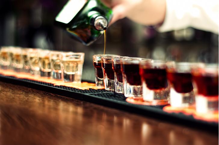 Фото №1 - Названа относительно безопасная недельная доза алкоголя