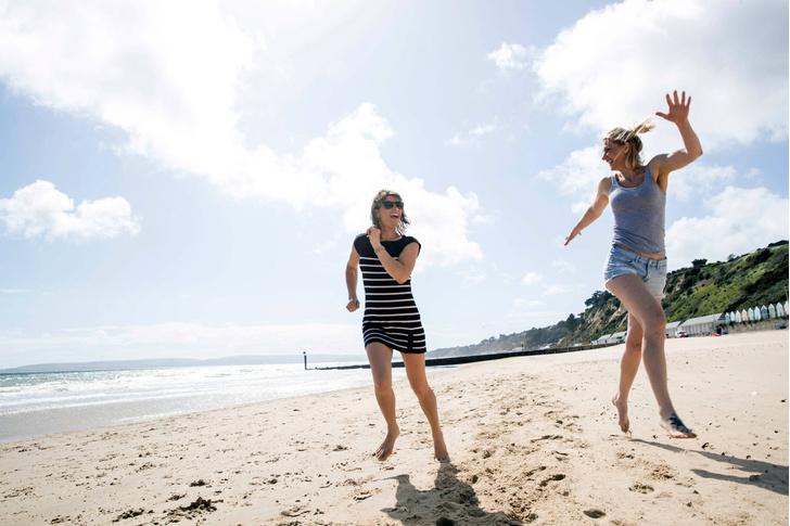 Фото №1 - Как сохранить талию во время отпуска