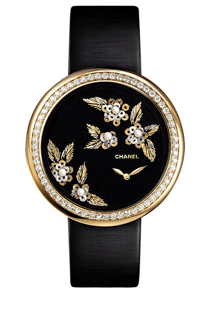 Часы Camelia Brode, коллекция Mademoiselle Prive, желтое ибелое золото, бриллианты, жемчуг, Chanel.