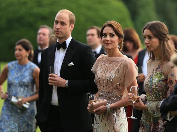 Фото №1 - Астропсихолог: Кейт Миддлтон – удав, а принц Уильям – кролик