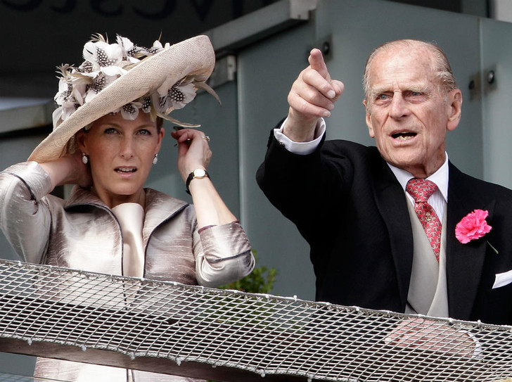 Фото №1 - Невестка мечты: как Софи Уэссекская очаровала принца Филиппа