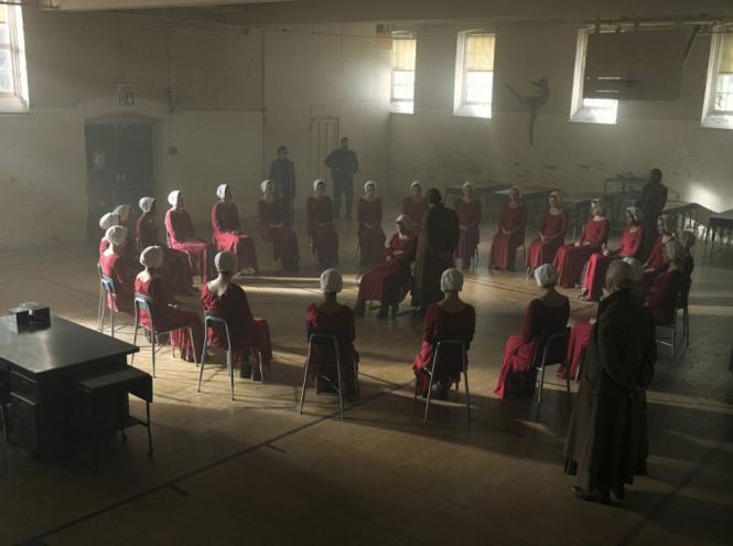 Фото №8 - «Рассказ служанки»: самое интересное из 2-го сезона