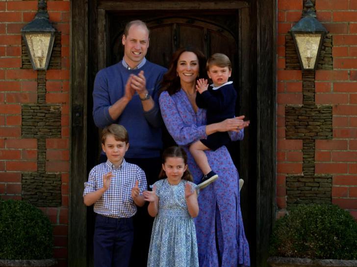 Фото №2 - Какие титулы получит Джордж, когда его отец станет королем (и почему их не пожалуют Шарлотте и Луи)