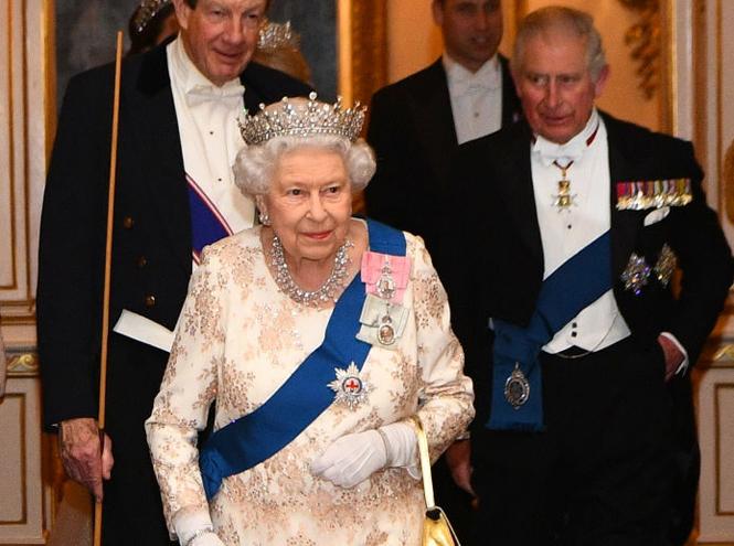 Фото №3 - Почему Елизавета II не отречется от престола ради принца Чарльза