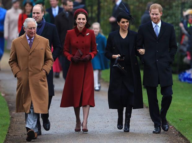 Фото №2 - Любимая невестка: почему Меган всегда была ближе принцу Чарльзу, чем Кейт