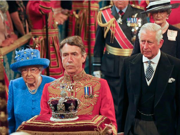 Фото №5 - Угроза Короне: почему Чарльз может так и не стать королем (Уильям и Джордж— тоже)