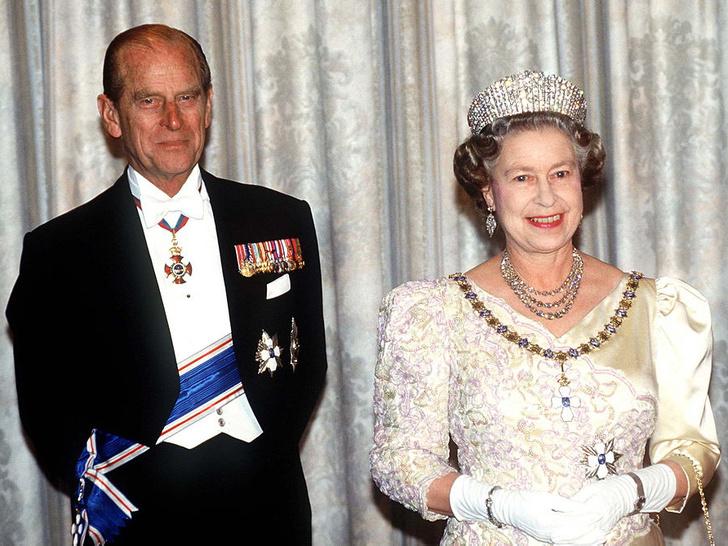 Фото №1 - Эдинбургский свадебный браслет: история самого важного подарка принца Филиппа Елизавете