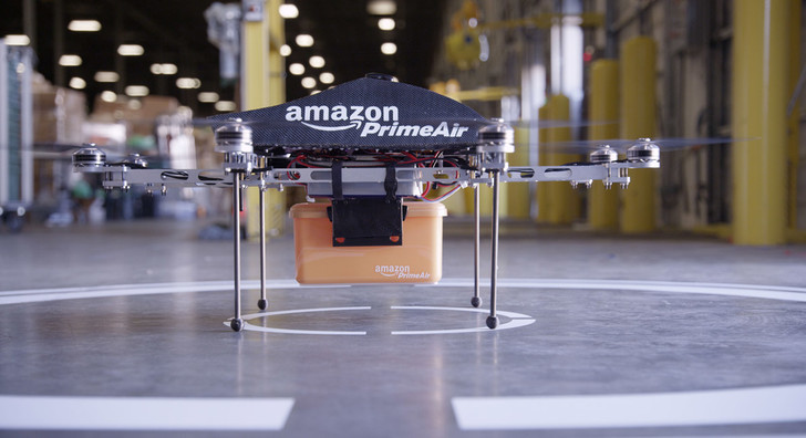 Фото №1 - Amazon разработал роботов-курьеров
