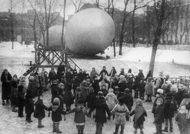 Фото №16 - Этот День Победы: как советский народ жил, любил и ждал все 1418 дней войны