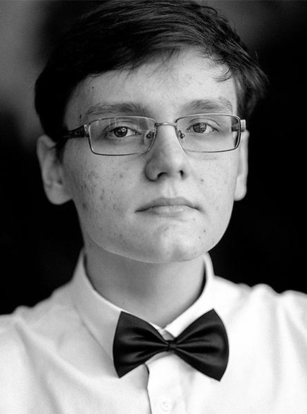 Илья Хмелев