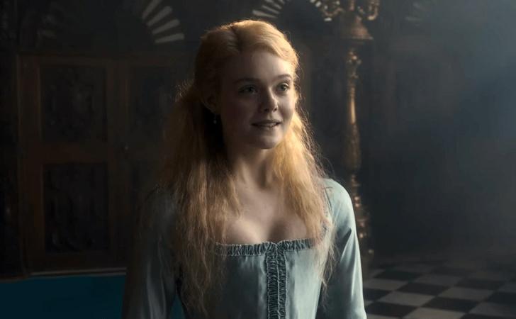 Фото №1 - Эль Фаннинг— Екатерина II в трейлере сериала «Великая»