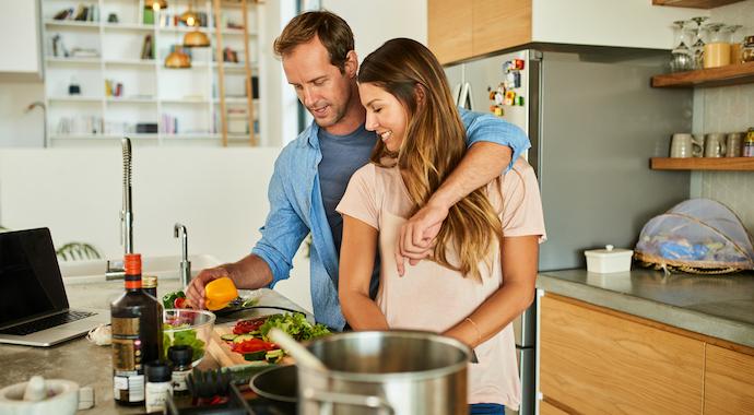 6 культовых рецептов из фильмов о людях, которые любят готовить (и есть!)