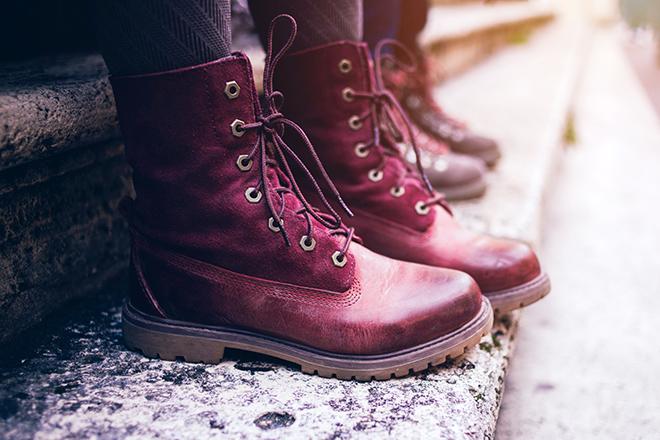 Фото №1 - Сильный минус: как носить демисезонную обувь зимой и не мерзнуть