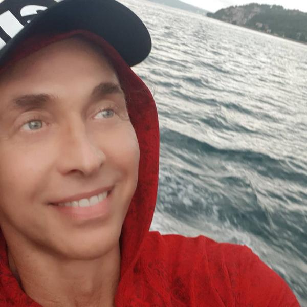 Фото №3 - 48-летний Тарзан вдруг помолодел, и его заподозрили в пластике