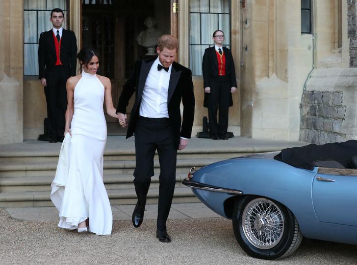 Фото №2 - Герцогиня Меган уже повлияла на королевский дресс-код