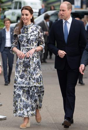 Фото №2 - Королевский выбор: где искать эспадрильи, как у Меган, Кейт и Леди Амелии Виндзор