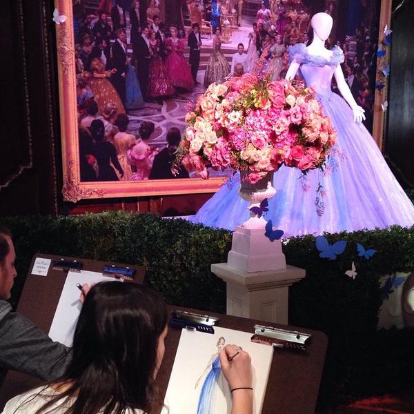 Фото №1 - Студент воссоздаст знаменитое платье Золушки