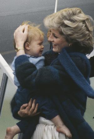 Фото №4 - Холодная жестокость: чем Чарльз обидел Диану после рождения младшего сына