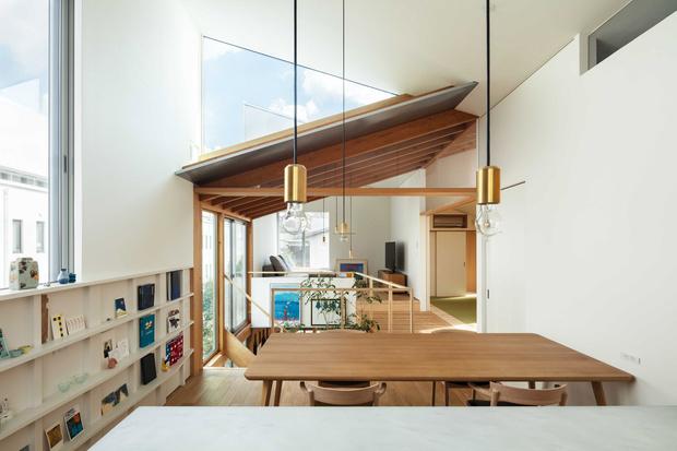 Фото №3 - Современный дом с атриумом в Японии