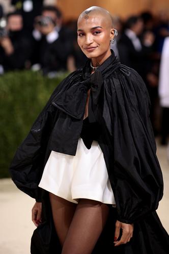 Фото №55 - Met Gala 2021: все модные образы бала Института костюма