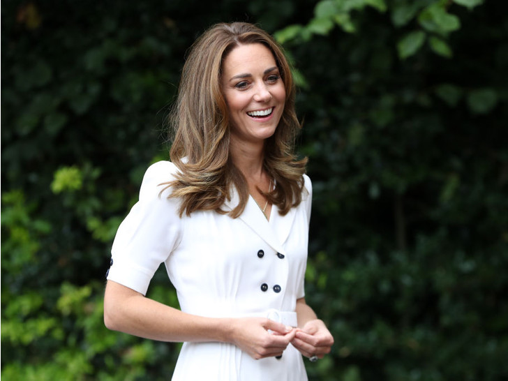 Фото №7 - Всегда безупречна: 10 лучших причесок герцогини Кейт на любой случай