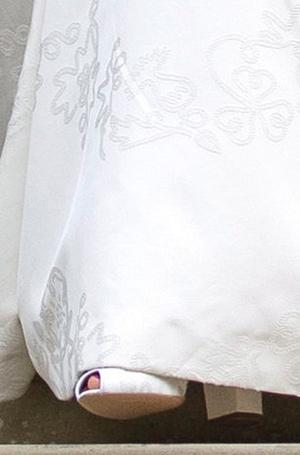 Фото №29 - Настоящая принцесса: свадебный образ Евгении Йоркской