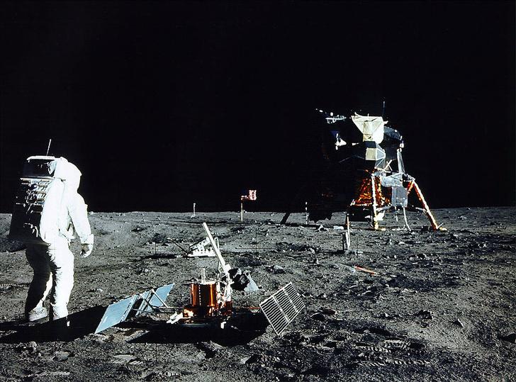 Фото №1 - Впервые на Луну полетит частная компания