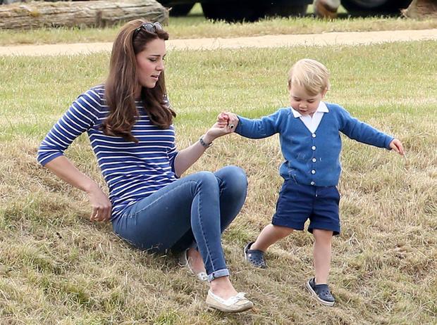 Фото №12 - 12 королевских традиций, которые нарушили Кейт Миддлтон и принц Уильям