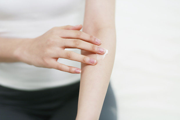 Прыщики на руках и ногах: возможные причины появления
