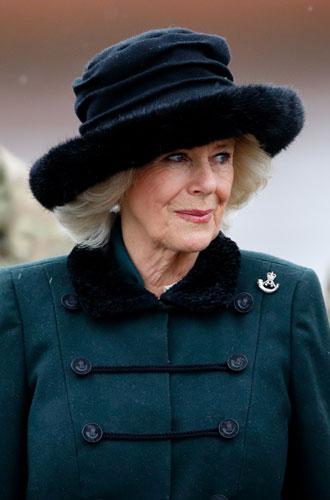 Фото №8 - От Королевы до герцогини Кейт: как королевские особы носят мех