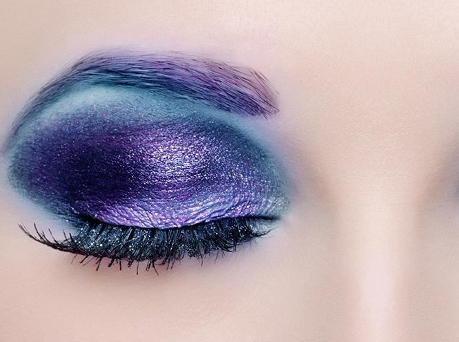 Фото №1 - Смелый тренд: разноцветные брови