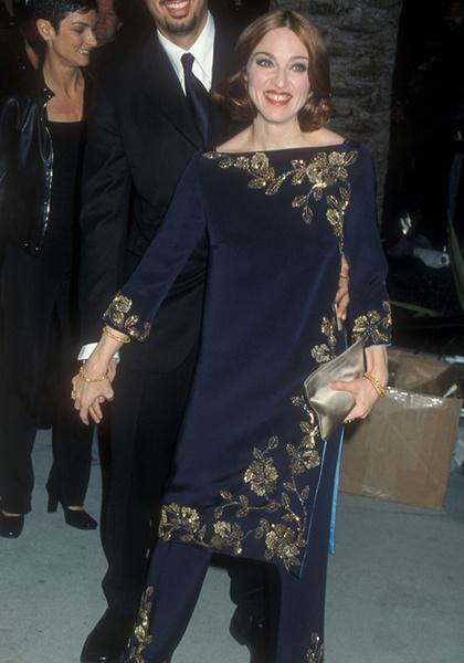 Фото №17 - Королева скандала: самые запоминающиеся образы Мадонны