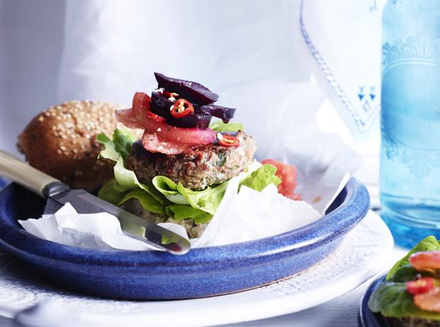 Фото №5 - Хамон и вино: 6 гурманских диет, которые вам понравятся