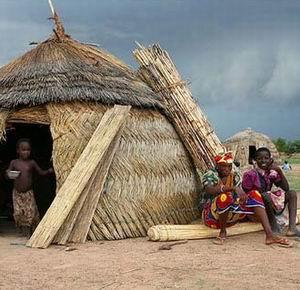 """Фото №1 - Буркинийским """"ведьмам"""" выдадут паспорта"""