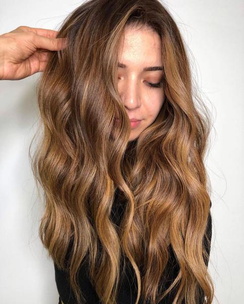 Фото №5 - Карамельный цвет волос: идеи окрашивания, которые ты захочешь повторить